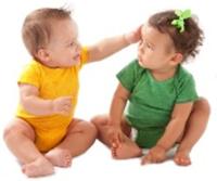 2 babies play